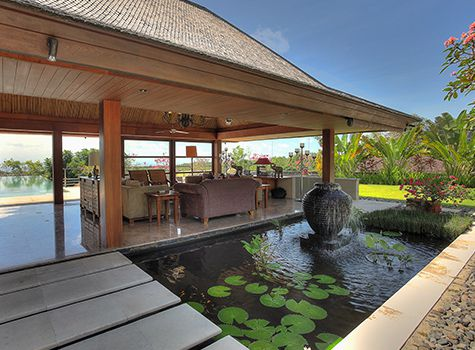 Indah Manis - Living room water feature